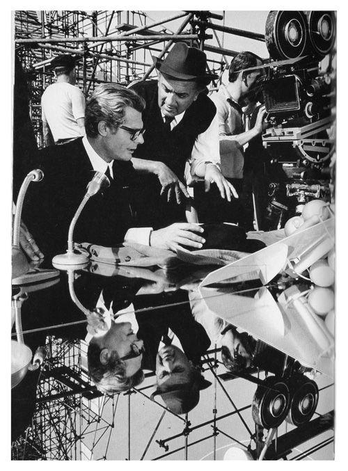 Marcello Mastroianni e Federico Fellini, set di Otto e mezzo ...