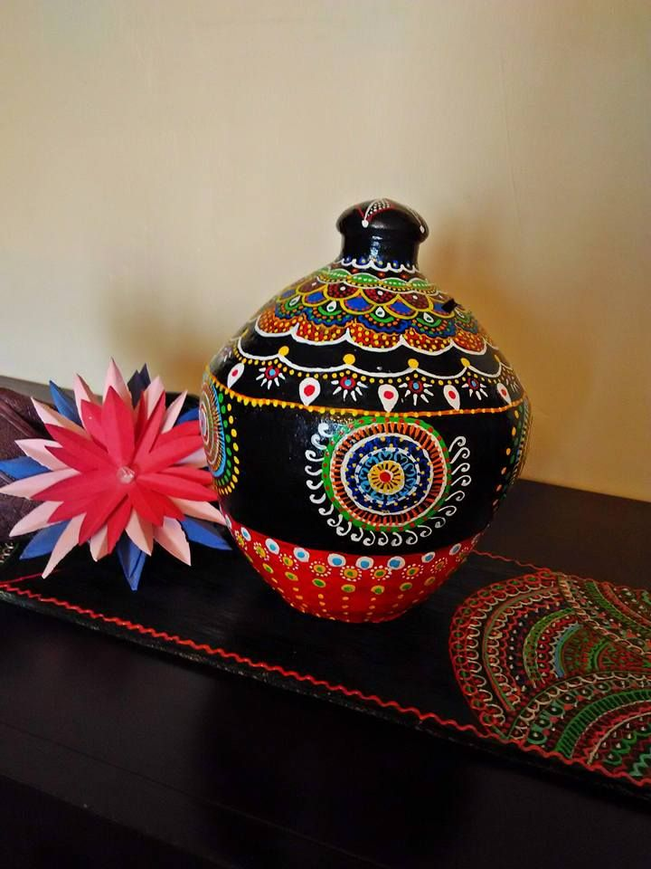 Meenakari Gullak Using Vibrant Fevicryl Colours Craft
