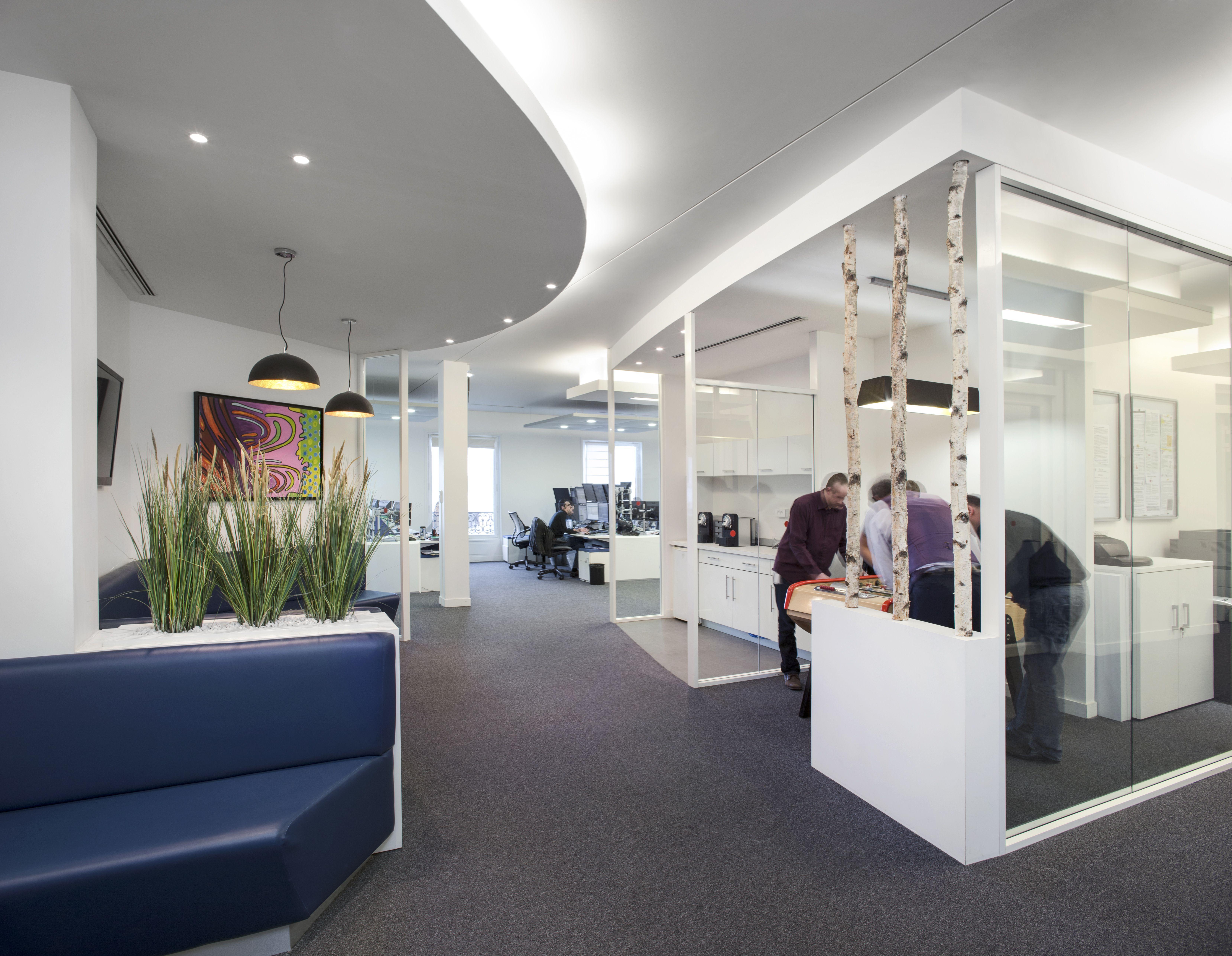 cr er une ambiance calme et design au sein de vos bureaux d 39 entreprises c 39 est possible 5. Black Bedroom Furniture Sets. Home Design Ideas