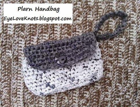 Crochet Plarn Handbag - FREE Pattern   Free pattern, Crochet and ...