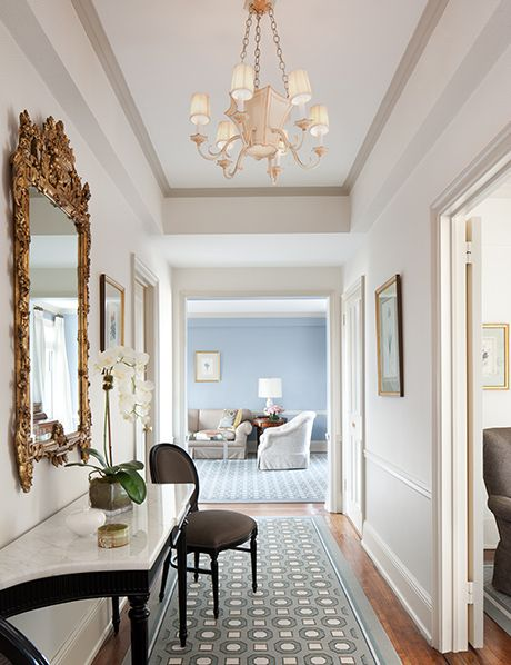 Gallery the carlyle a rosewood hotel hotels for Hotel foyer decor