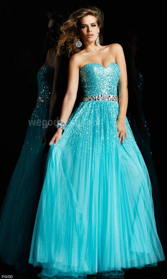 I love any dress thatus mint colored and sparkly phonecaces