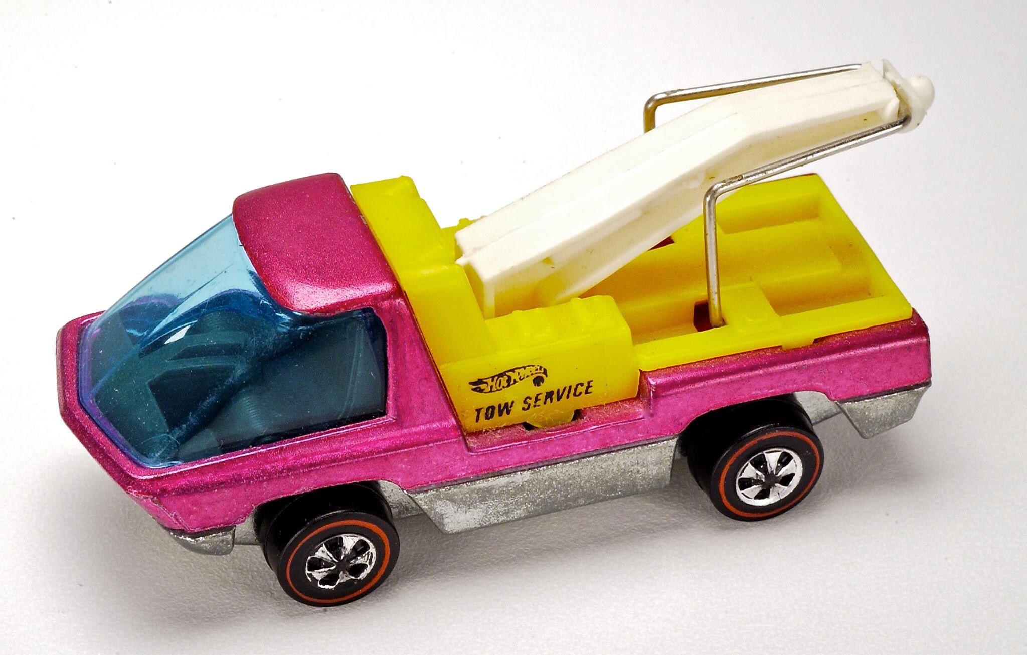 hot wheels red line heavyweights tow truck scarce hot pink rh pinterest com