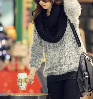 Women's Round Neck Fuzzy Sweater