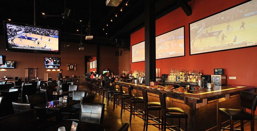 Top 10 Sports Bars In Houston, Texas