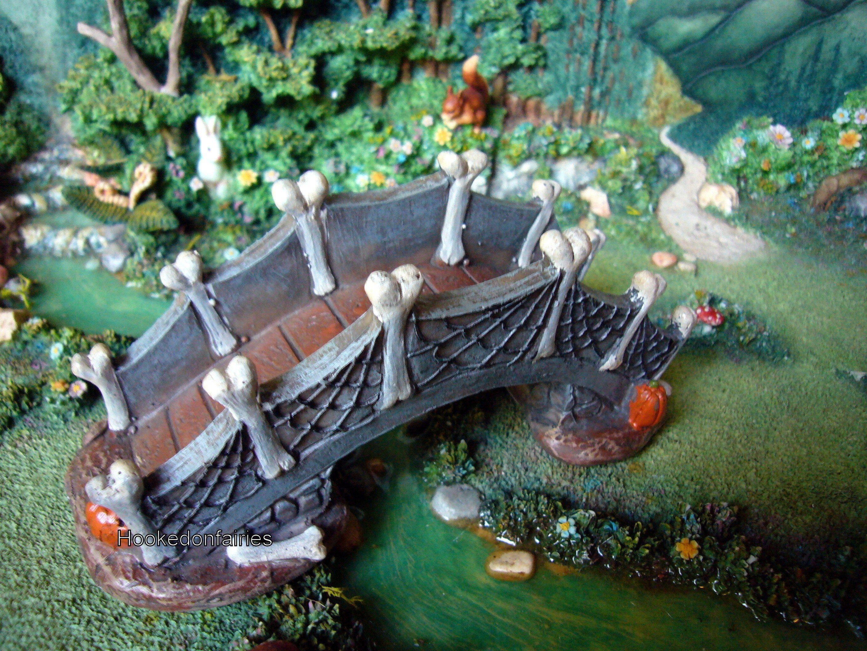 """Halloween Bone Bridge 5.75"""" MI 50652 Miniature garden"""