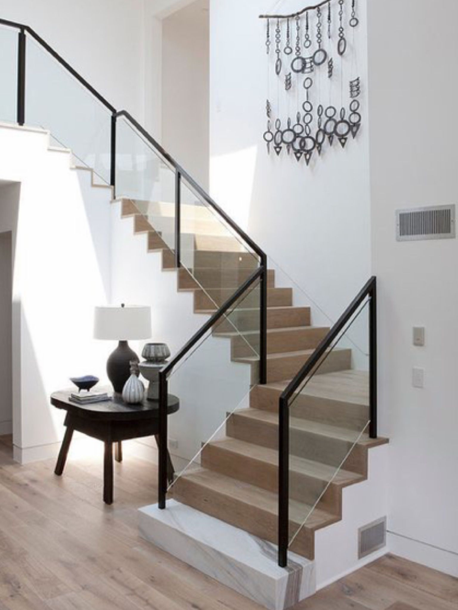 Best Pin By Justyna Grzywacz On Split House Interior Stairs 400 x 300