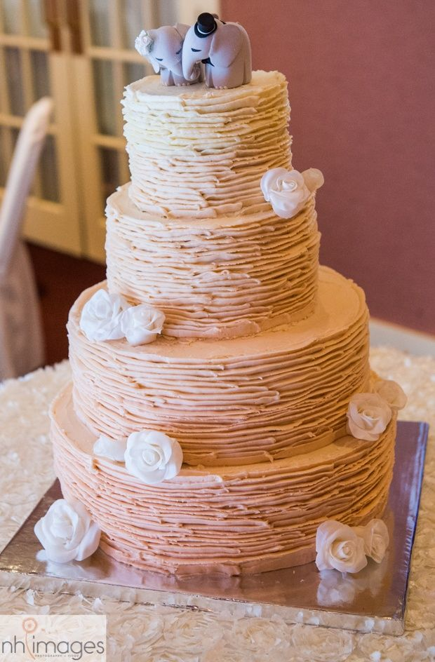 Elephant Cake Topper Church Landing Wedding Meredith New Hampshire For More Inspiration Head To Www Theweddingbelle