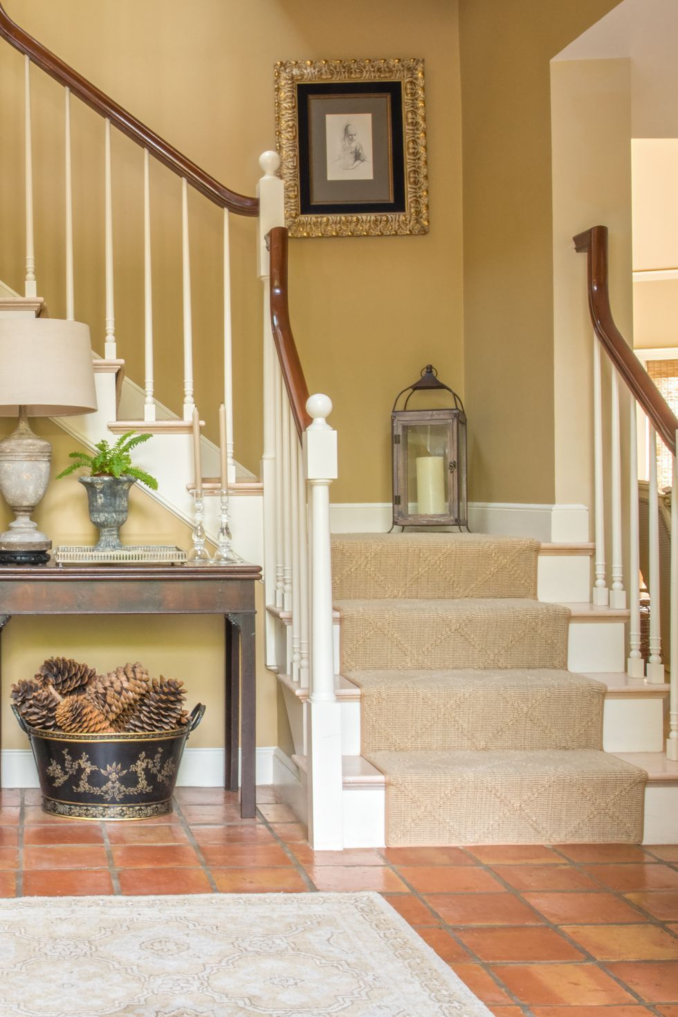 27 Stylish Staircase Decorating Ideas   Staircase wall ...