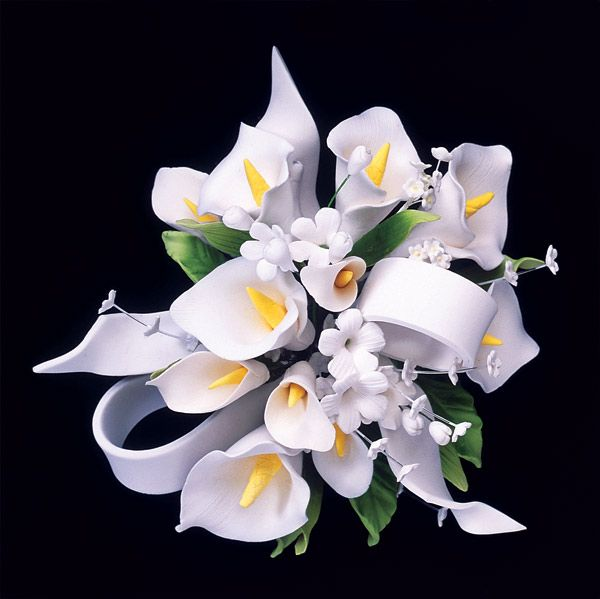 Laura This Is A Cake Topper Make From Sugar Paste Follow The Pin Calla Lily Cake Gum Paste Flowers