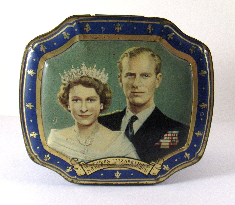 Coronation Tin 1953 Queen Elizabeth