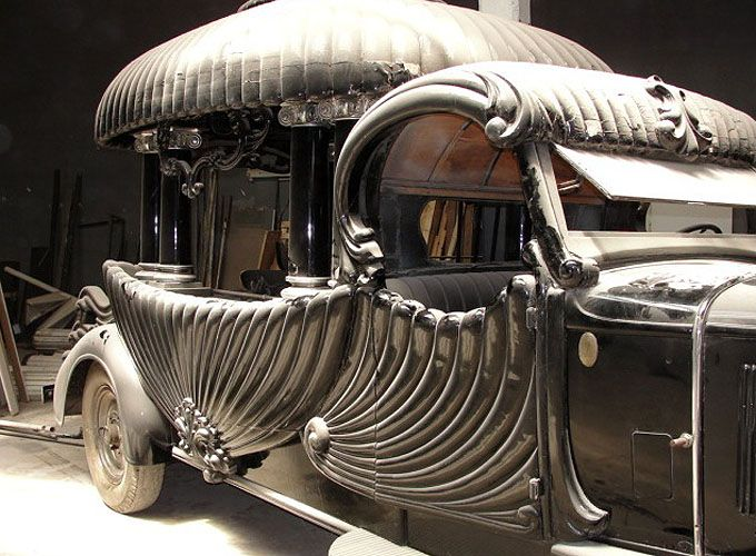 1929 Argentinian hearse is absolutely magnificent.  If you are going to go, go in style.