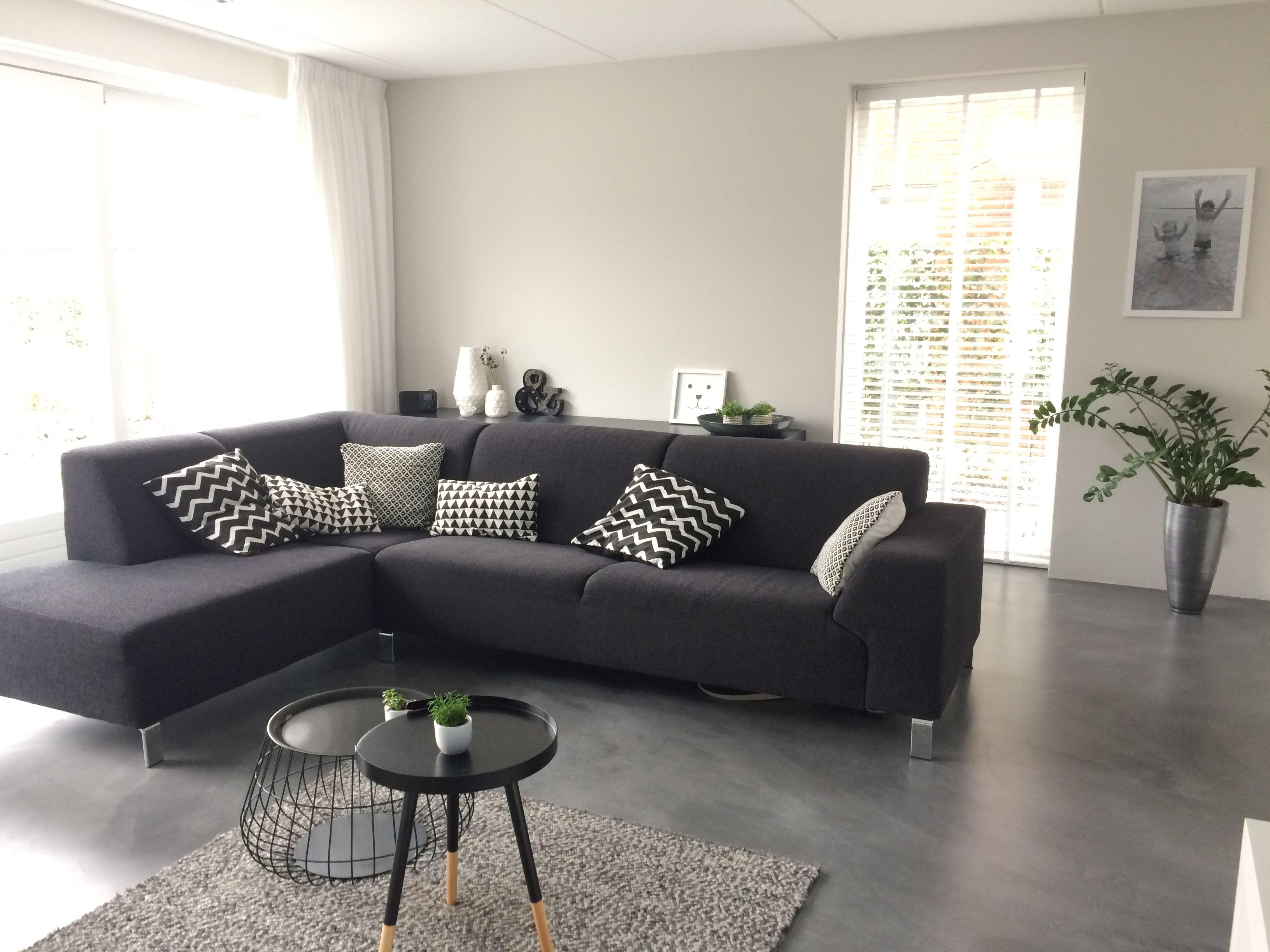 Zwart-wit hoekbank woonkamer moderne woonkamer | CasaTomasouw ...