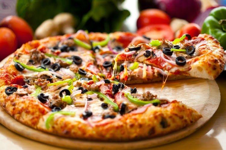 طريقة عمل البيتزا هت بالصور مجلة جمال حواء Delicious Pizza Good Pizza Food