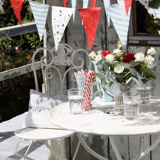 Garden party style | Garden decorating ideas | Country Homes & Interiors | Housetohome