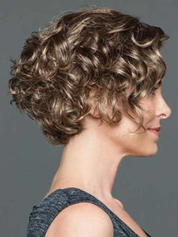 141 Easy To Achieve And Trendy Short Curly Hairstyles For 2020 In 2020 Curly Hair Photos Hair Styles Short Curly Hair