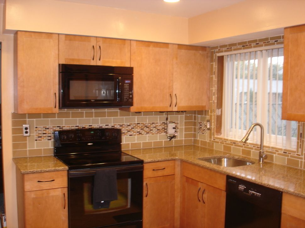 Kitchen:Fascinating Kitchen Backsplash Ideas Granite Countertops And Brown  Wooden Cabinets Feat Stove And Oven