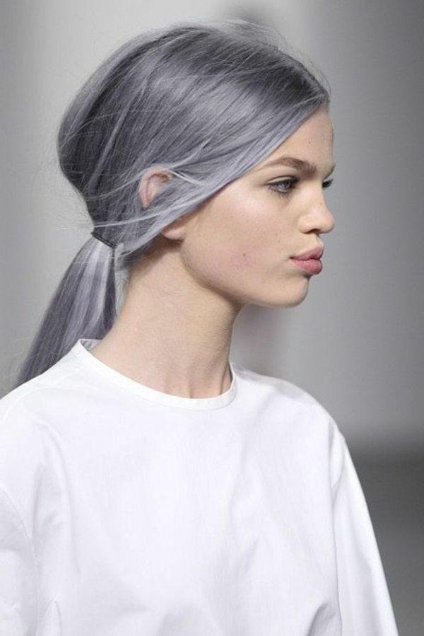 Quelle couleur avec les cheveux gris