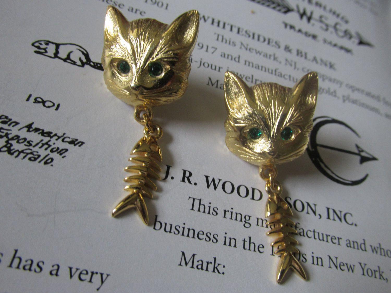 Rare Fun RAZZA CAT Pierced EARRINGS w/Dangling Fish Skeletons Gold Plated…