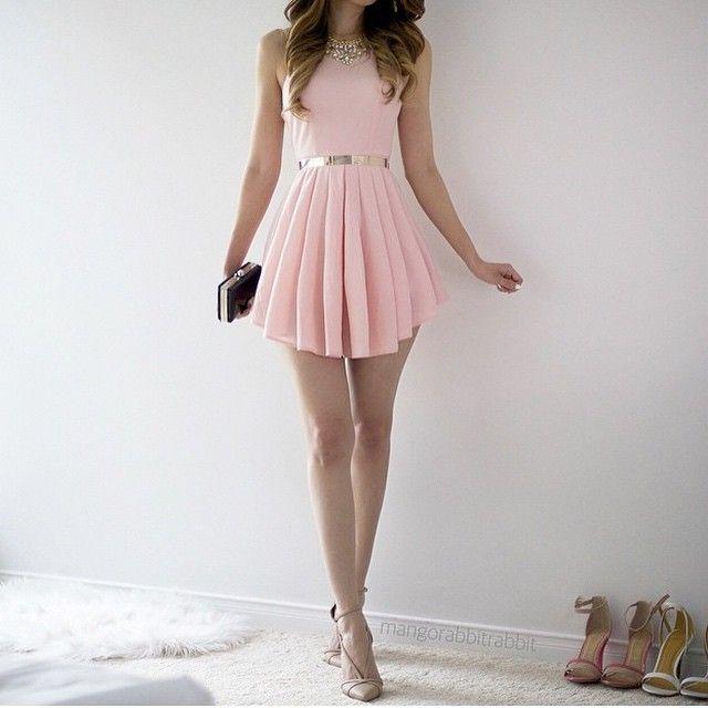 Vestido rosa pastel corto