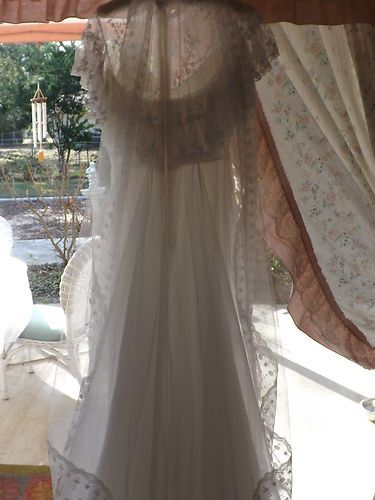QUEEN ANN WEDDING DRESS  STARTING BID $59.00