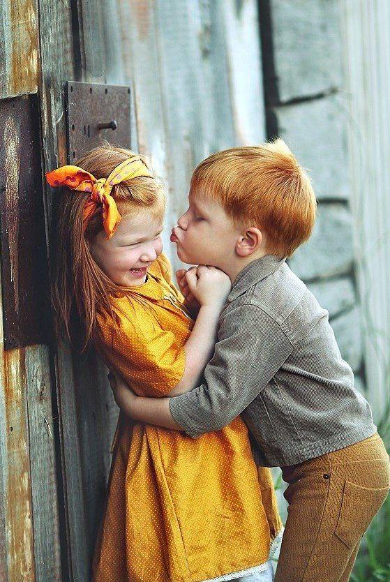 Прикольные картинки детский поцелуй
