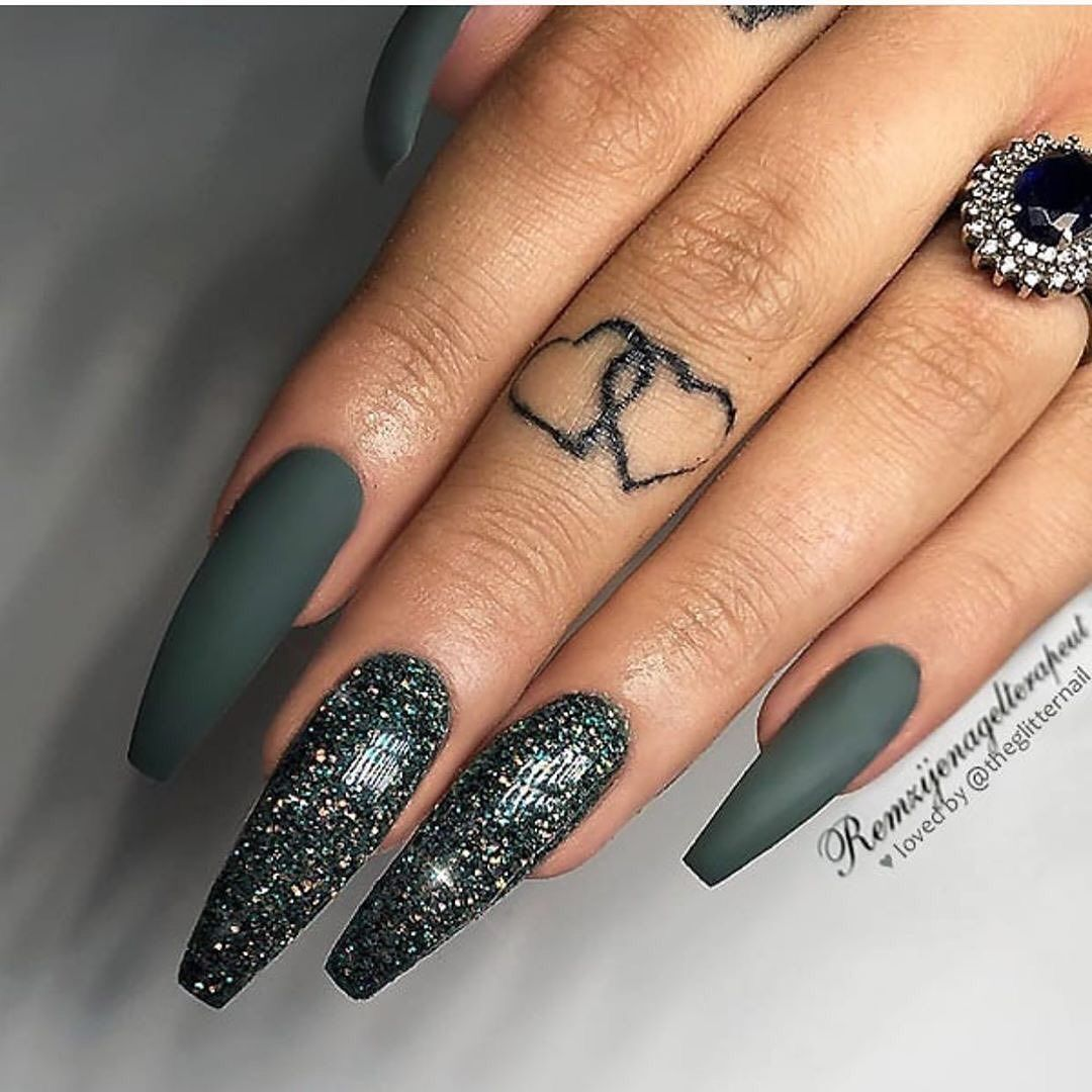 60 Cute Winter Nails Designs To Inspire Your Winter Mood Dark Green Nails Green Nails Coffin Nails Long