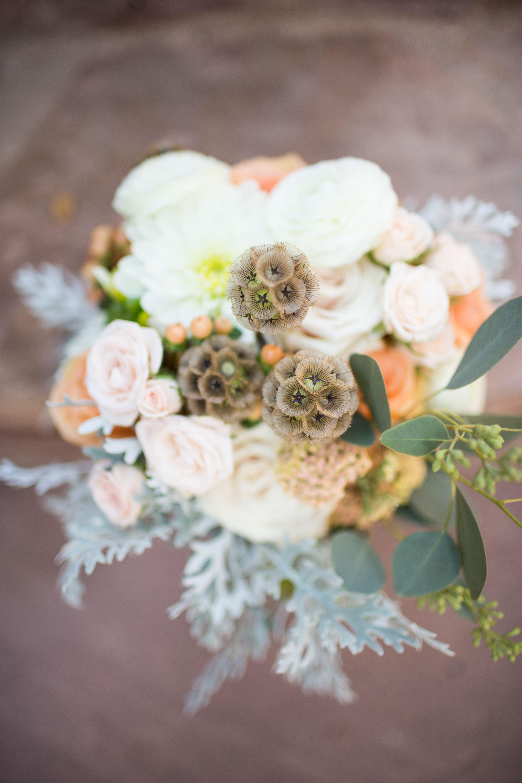 peach & white wedding bouquet