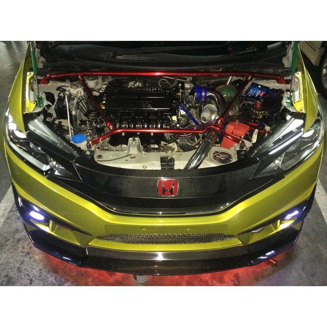 Honda Motorcycle With Fit Engine: Surabaya Town Square (SUTOS)