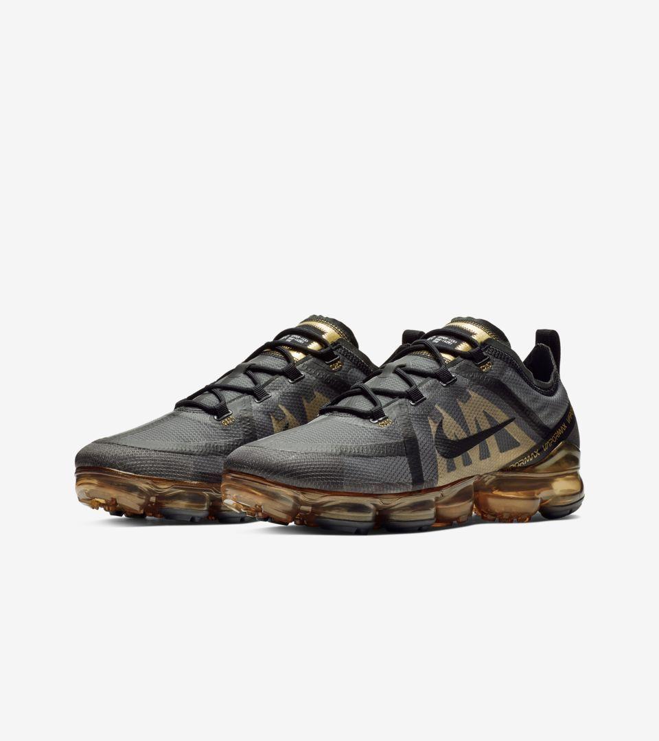 Explore and buy the Nike Air Vapormax 2019 'Black \u0026 Metallic Gold