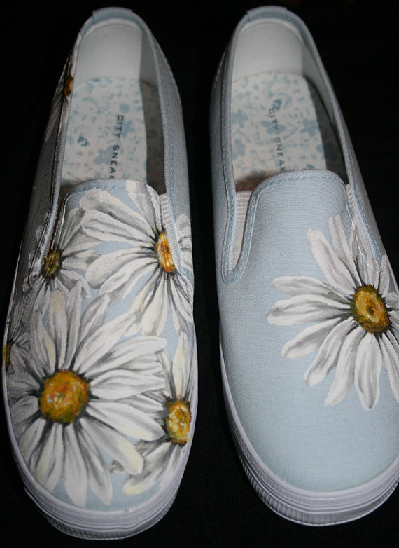 94efc70d7 Hand Painted Daisy Shoes in 2019   Products   Painted canvas shoes ...