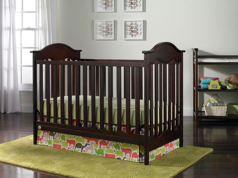 Fisher Price Charlotte Collection Traditional Crib Cherry