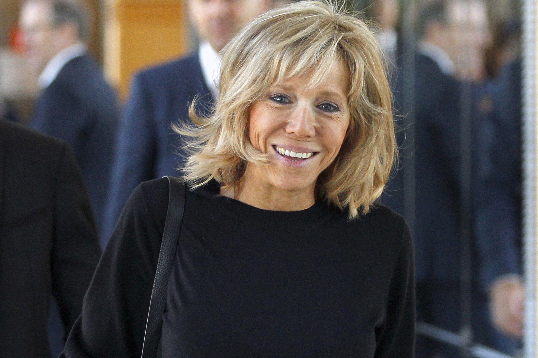 Brigitte Macron De Professora A Primeira Dama Da Franca Primeira Dama Look Profissional Casual Daminhas