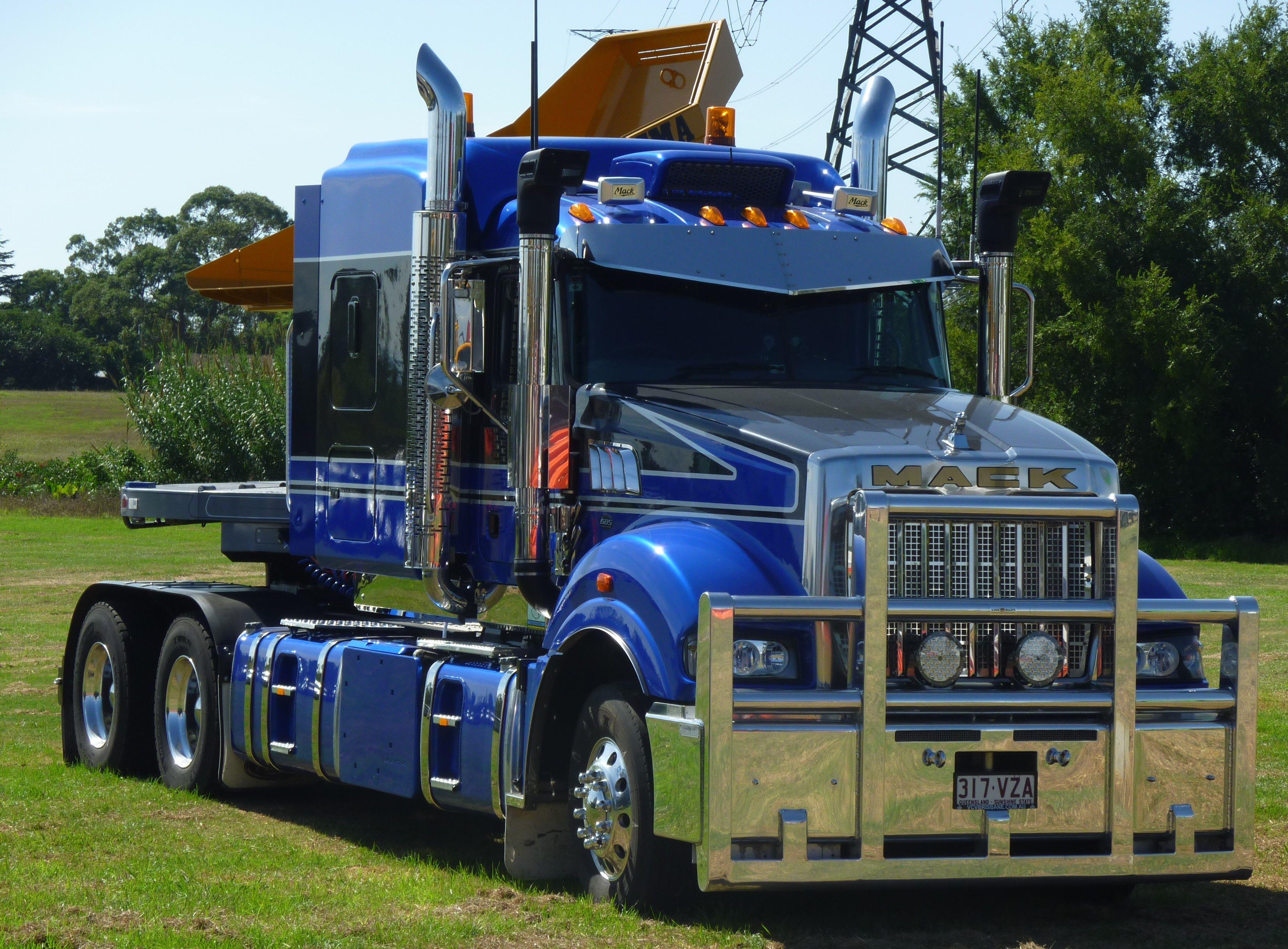 kenworth trucks mack trucks show trucks dump trucks  [ 3741 x 2758 Pixel ]