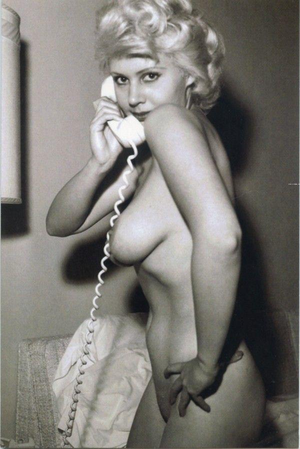 Nude Telephone 77