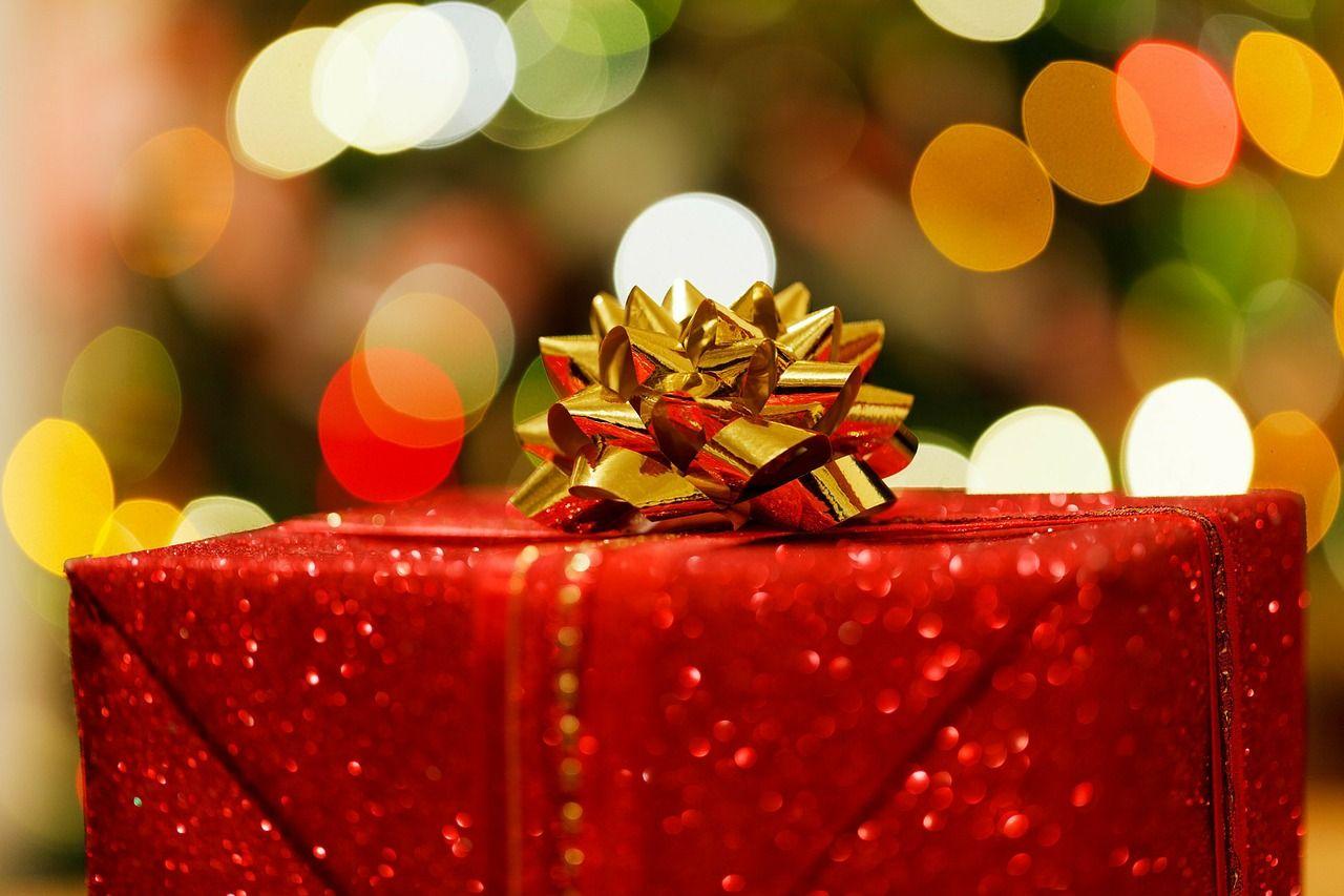Und was schenken wir dieses Jahr zu Weihnachten?  Wir haben den Nervenschonenden Tipp!