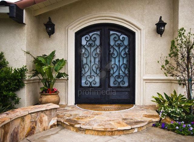 Front Doors Of Spanish Style Home Picture Stock Photos Profimedia