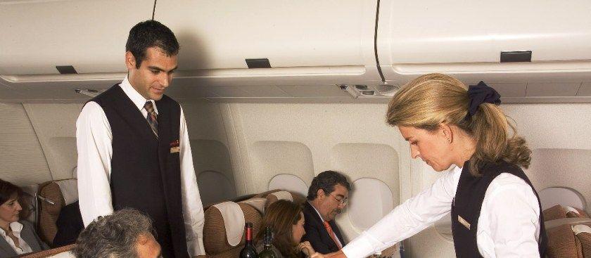 Iberia promociona los mejores vinos españoles entre sus clientes business http://www.vinetur.com/2013020711435/iberia-promociona-los-mejores-vinos-espanoles-entre-sus-clientes-business.html