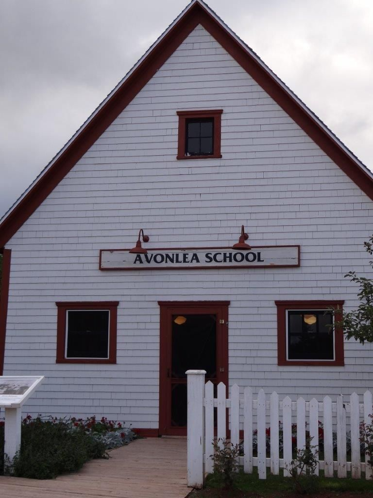 Avonlea School With Images Green Gables Anne Of Green Gables