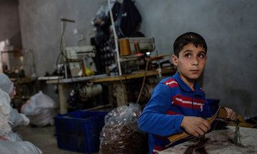 The Clothes You're Wearing May Have Been Illegally Made By Syrian Refugees | Huffington Post