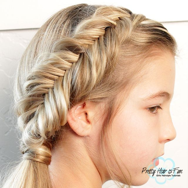 Stacked Side Braid w/ bonus Fishtail Braid! - Twist Me Pretty #sidebraidhairstyles See this tutorial with Cute Girls Hairstyles of the stacked side braid here. Also a bonus, learn how to do a beautiful fishtail braid too! These are the perfect summer hairstyles by Twist Me Pretty #summerhair #braidingtutorial