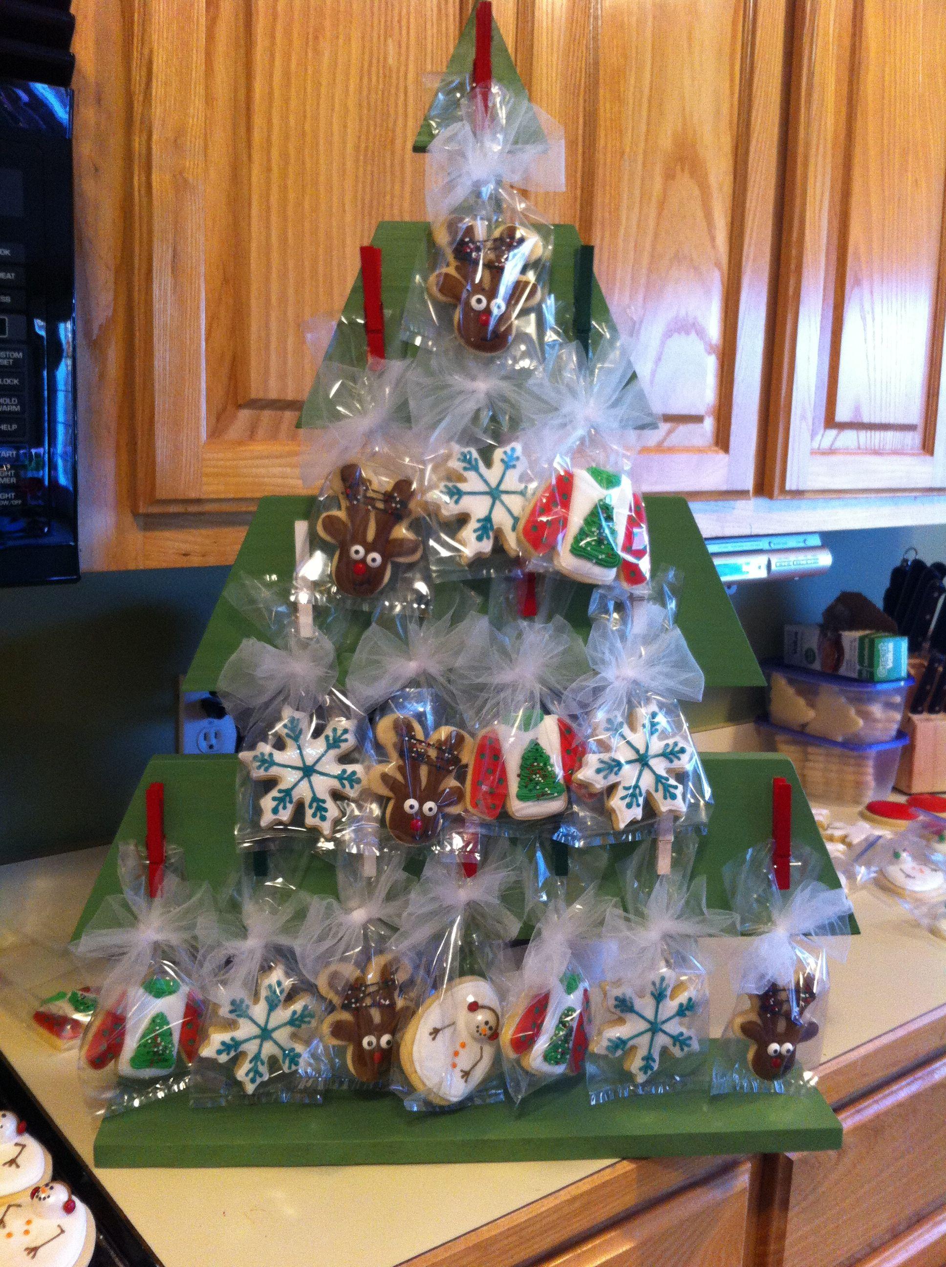 Cookie Tree display!! Cookie display, Christmas display