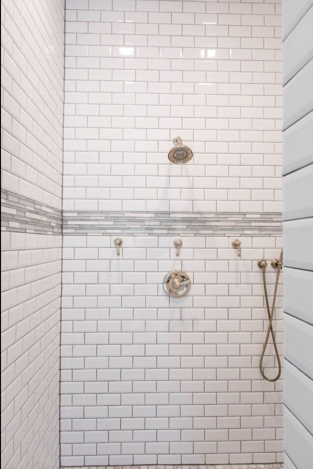 White Subway Tile With Beveled Edge Contrasting Grout And Fabulous Glass And Marble Accent Bord Bathroom Redesign White Subway Tile Shower Lake House Bathroom
