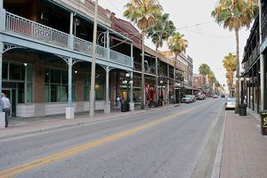 The Top 3 Bars In Tampa Florida S Ybor City This Historic Neighborhood Entertainment District Oftentimes Called Ybo Ybor City Bars In Tampa Real Vampires