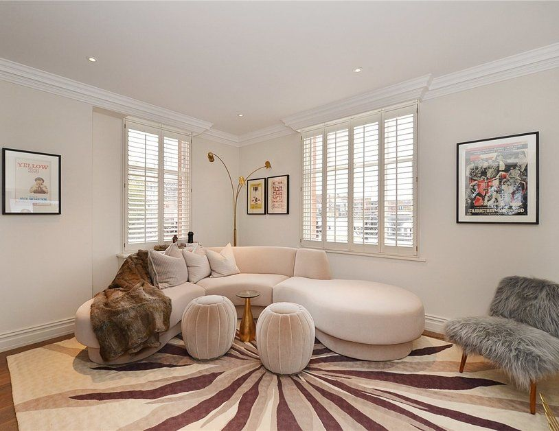 An outstanding redeveloped penthouse combining an elegant hand-crafted interior and a premier Notting Hill address is now available