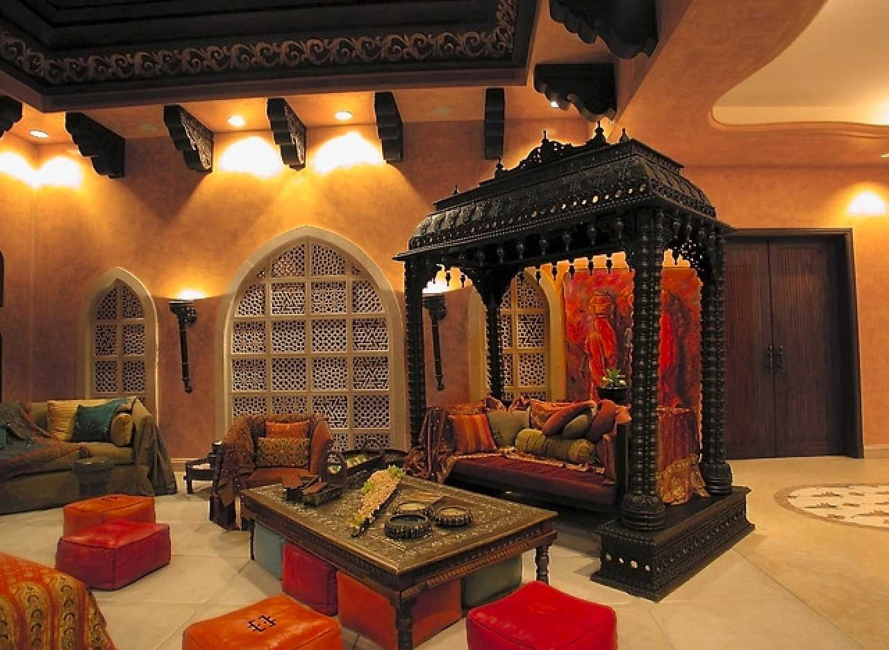 Traditional And Ethnical Indian Living Room In 2020 Asian Living Rooms Indian Interior Design Indian Living Rooms