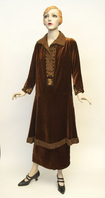 FC0386 Dress, silk velvet with poodlecloth (faux lamb) trim, 'Made in France', 1924-1925