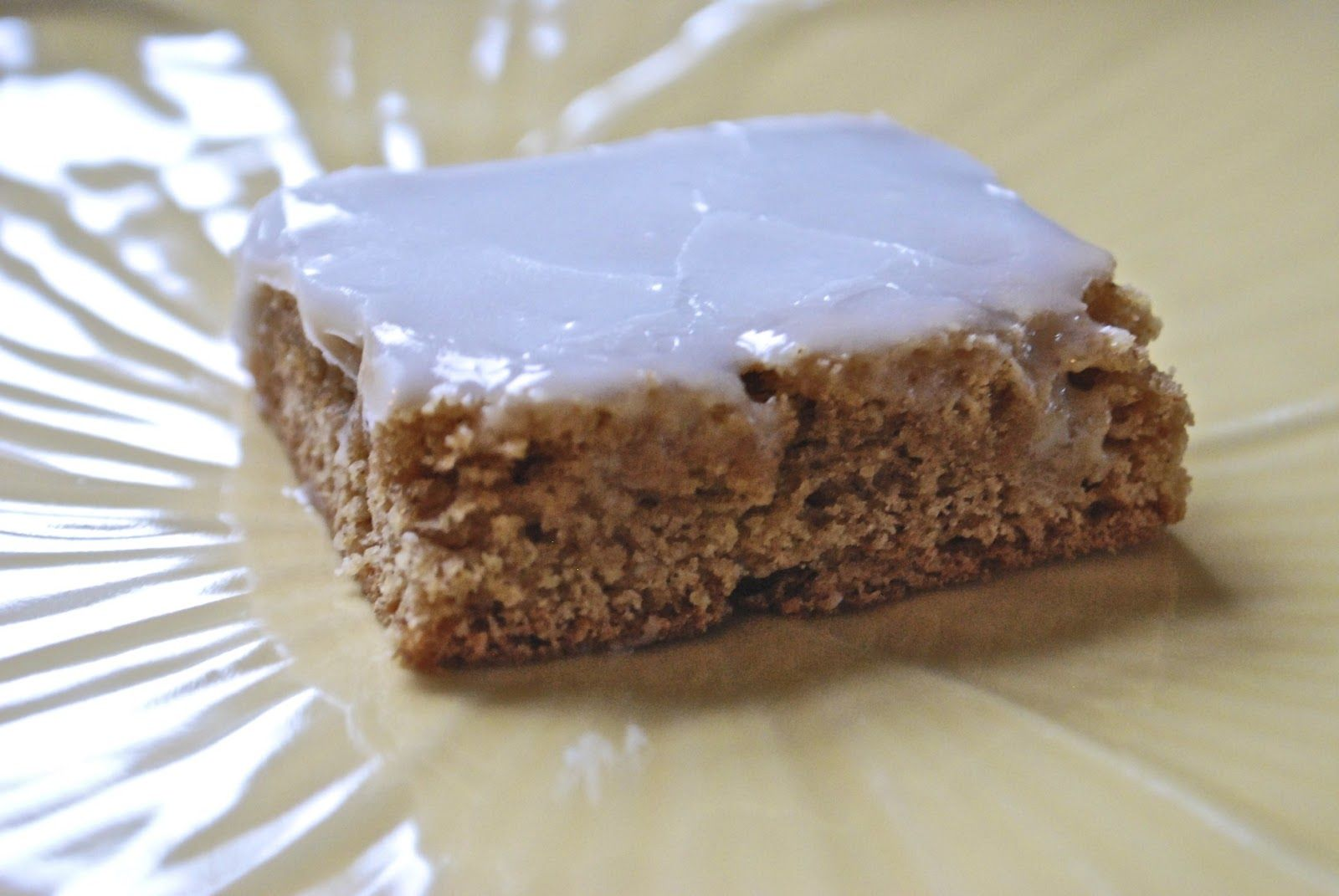 """""""Point-less"""" Meals: Cinnamon Roll Cookie Bars"""