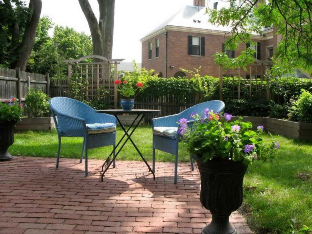 45 Creative Diy Simple Small Backyard Makeovers Ideas 400 x 300