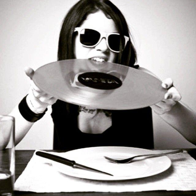 recordgoround:  Take a bite…..  https://www.discogs.com/seller/PlayDirtyRecords  #Vinyls #VinylRecordSeller #vinyligclub #VinylRecords #vintagecassettes #Vintage #VinylCommunity #VC #RareVinyl #RecordCollector #RareRecords #ShopVinyl #OnlineRecordStore #BuyVinyl #BuyRecords #PlayDirtyRecords
